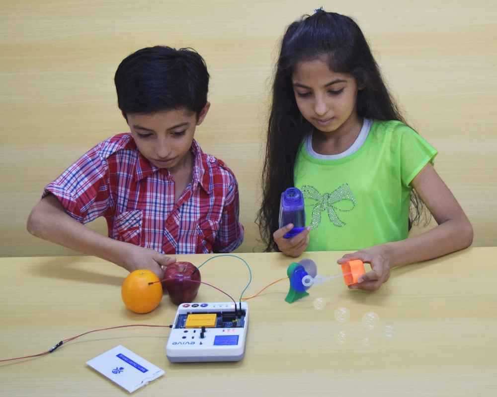 STEMpedia's solutions for early STEM