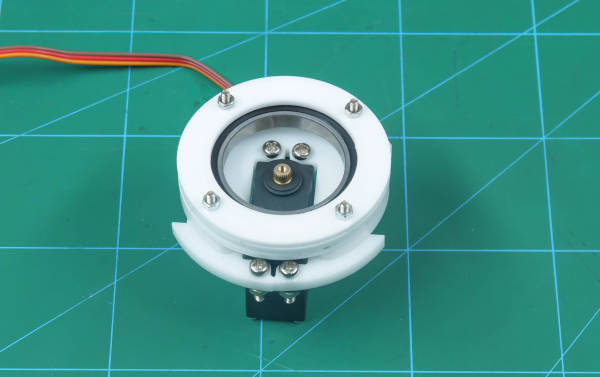 attach base servo motor plate to thetop outer bearing disc2`