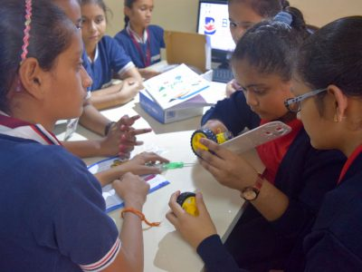 Atal Tinkering Lab Workshop on Robot Making Bharad by STEMpedia-12