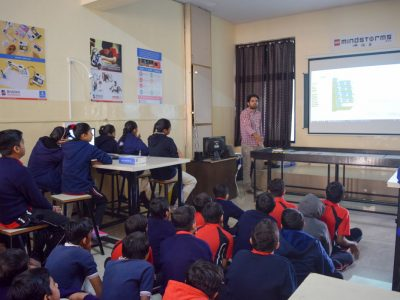 Atal Tinkering Lab Workshop on Robot Making Bharad by STEMpedia-6
