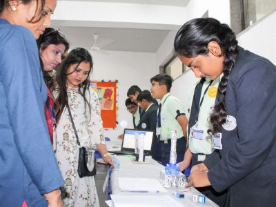 Year End Workshop and Exhibition STEM Lab Mount Litera Zee School Ahmedabad STEMpedia-11